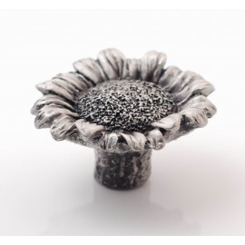 PP063 Novelty Handmade Solid Pewter Finely Sculpted Statuary Pull And Knob Of Gardens Theme.